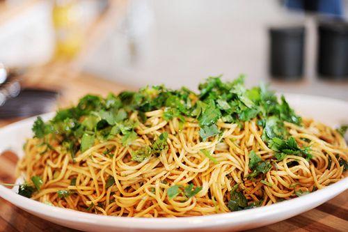 Spicy Peanut Pasta Salad / The Pioneer Woman