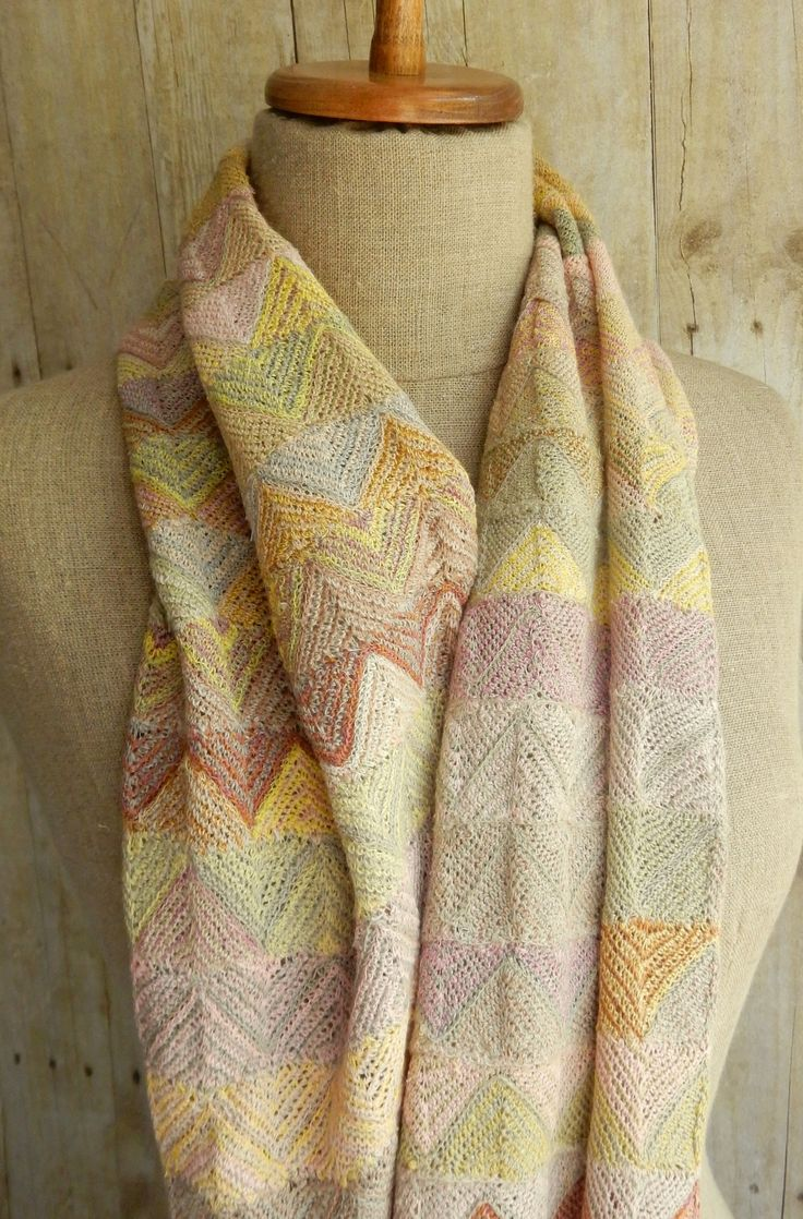 """""""On the Top"""" Scarf - Sophie Digard crochet"""