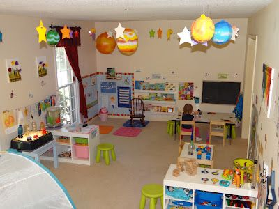 Whole Child Preschool: Our Daily Schedule love this room!