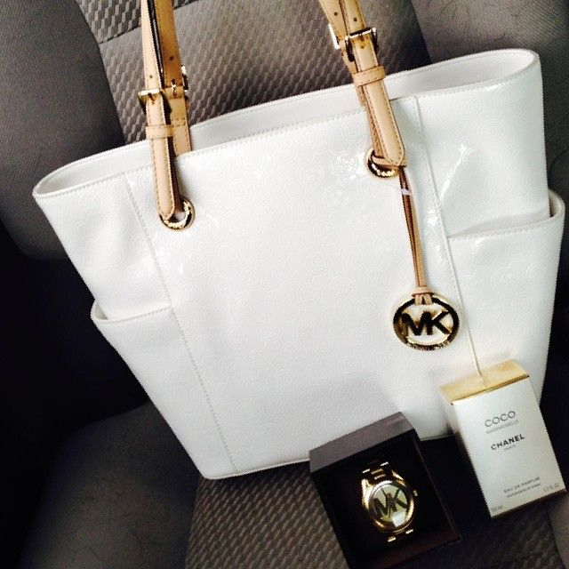 Check out Michael Kors Handbags ang get one. Best Choice for 2015#AllAccessKors #fashion #michaelkors #SpringFling