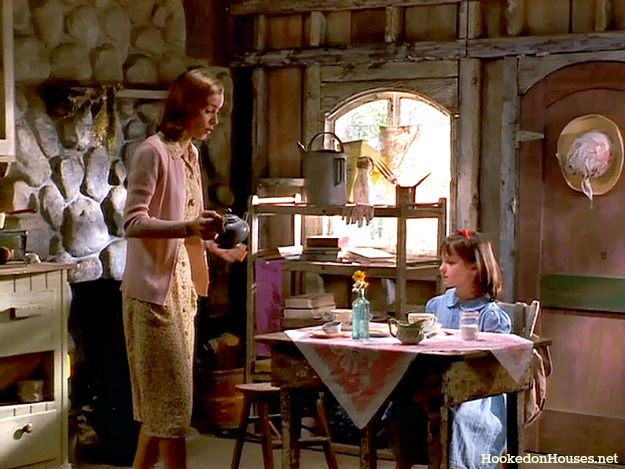 tea in Miss Honey's cottage-Matilda