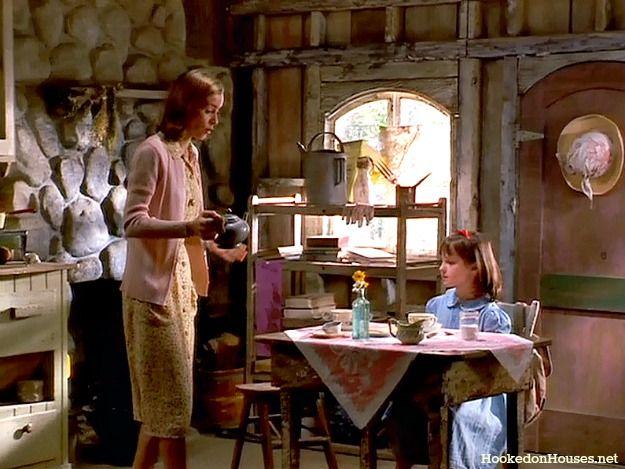 tea in Miss Honey's cottage-Matilda