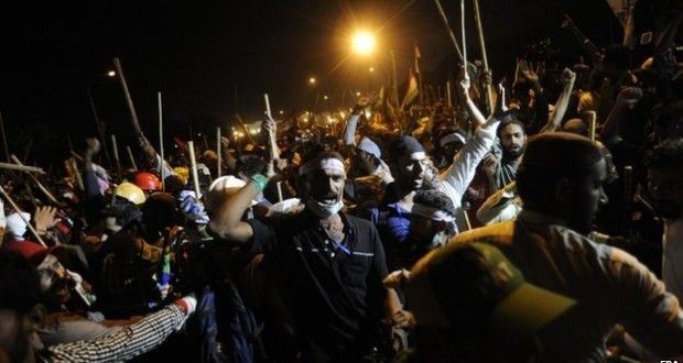 Pakistani Opposition Clashes With the Police