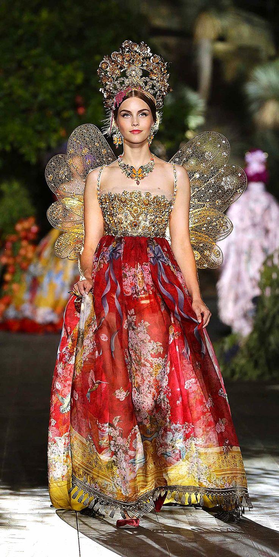 Dolce & Gabbana's Midsummer Night's Dream: Alta Moda Autumn/Winter 2015/16