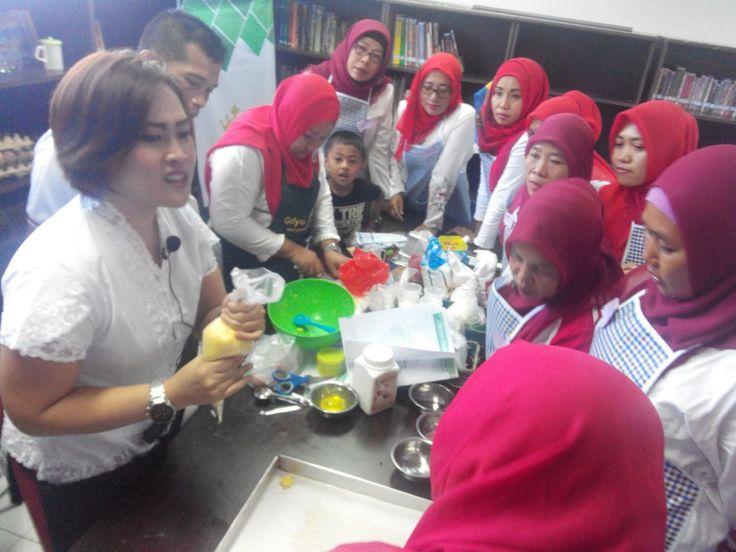 Kegiatan Kursus Kue di IKPP Perawang Siak Pekanbaru