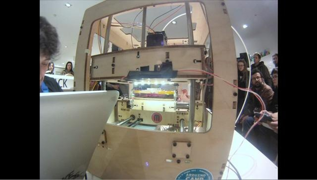 Stop Motion Human vs Machine by Zoescope. Wilcox vs 3Dprinter Wefab http://www.wefab.it/news/wilcox-vs-wefab-la-prima-sfida-uomo-contro-stampante-3d/