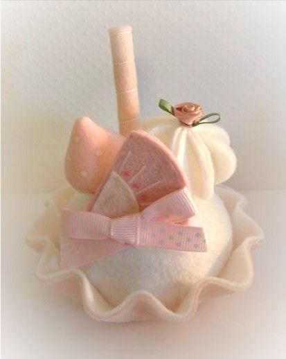 pretty idea as napkin deco  -  felt tea cakes... this shop is gorgeous!