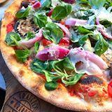 Idag blev det ett besök på @fratelliorebro.se och en grymt god vegetarisk pizza blev det för min del#galetgott #restaurangtips #örebro #matblogg #matbloggare #fratelli #pizza
