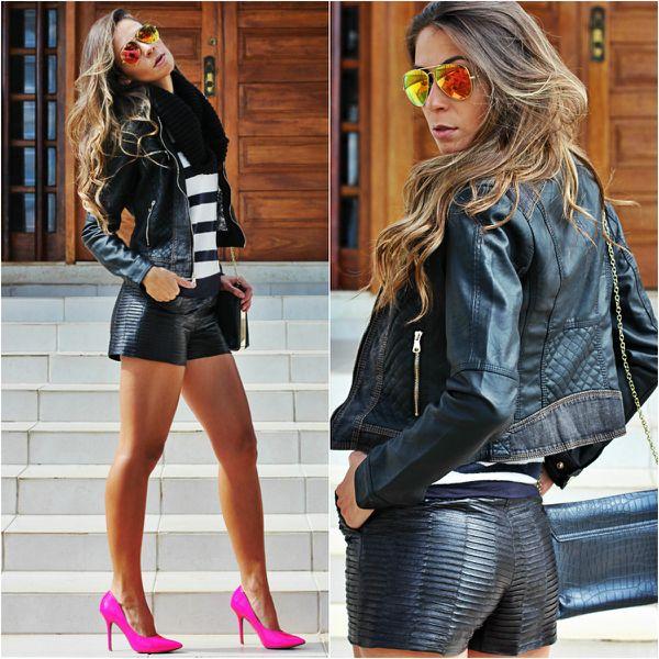 Look com Jaqueta de Couro Feminina, shorts de couro e scarpin pink