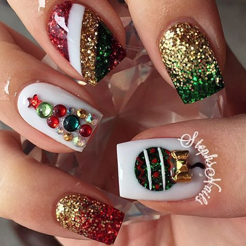 Christmas Holiday Crystal #nails #nailart   From: https://www.instagram.com/p/_IuuoVHjtg/?tagged=stephsnails