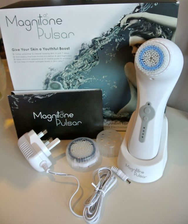 Magnitone Pulsar skin cleansing brush