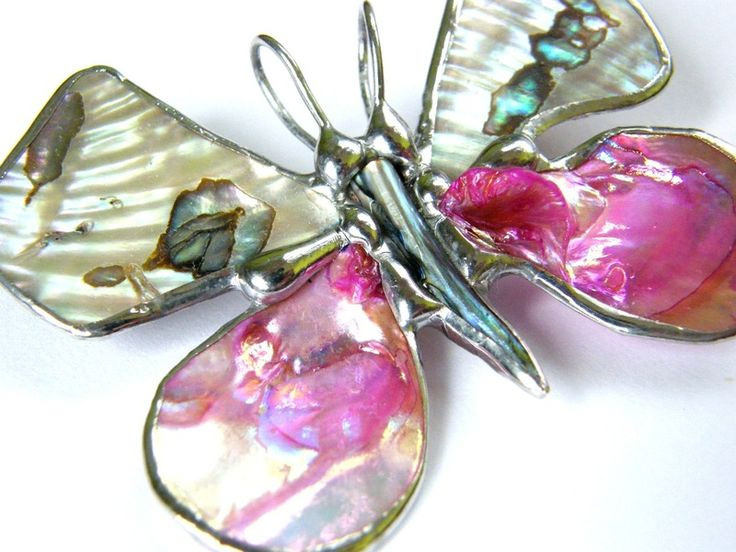 Brooch with pendant: Butterfly with pink conch from Witrazka by DaWanda.com