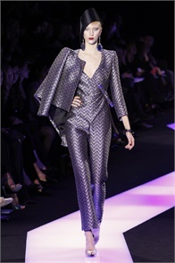 Giorgio Armani Privé - click on the photo and flip through complete collection on Vogue.it