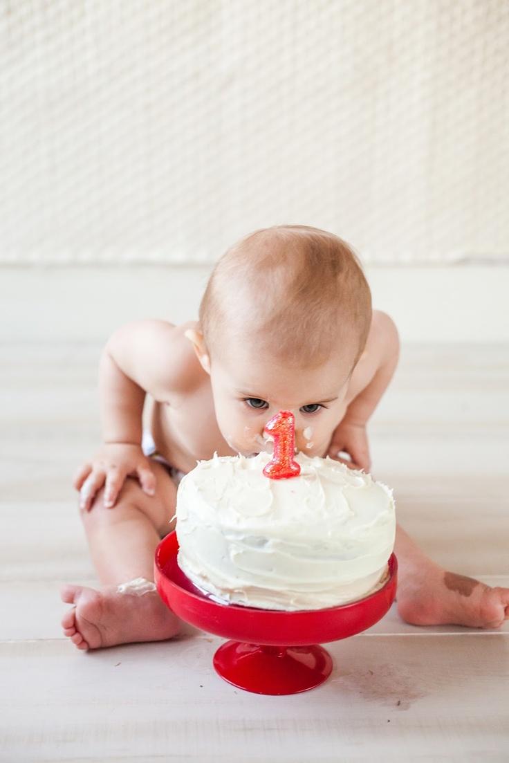 Baby Baker Love: First Birthday Photoshoot: Cake Smashing with @Courtney DeSpain