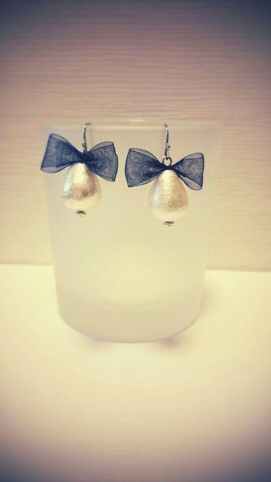 pierced earrings...navy ribbon...*