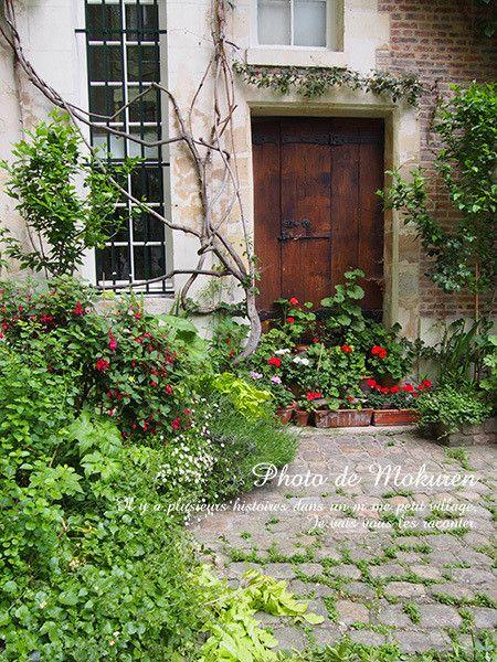 パリのシークレットガーデン 『Cour de Rohan』 の画像|フランス 小さな村を旅してみよう!