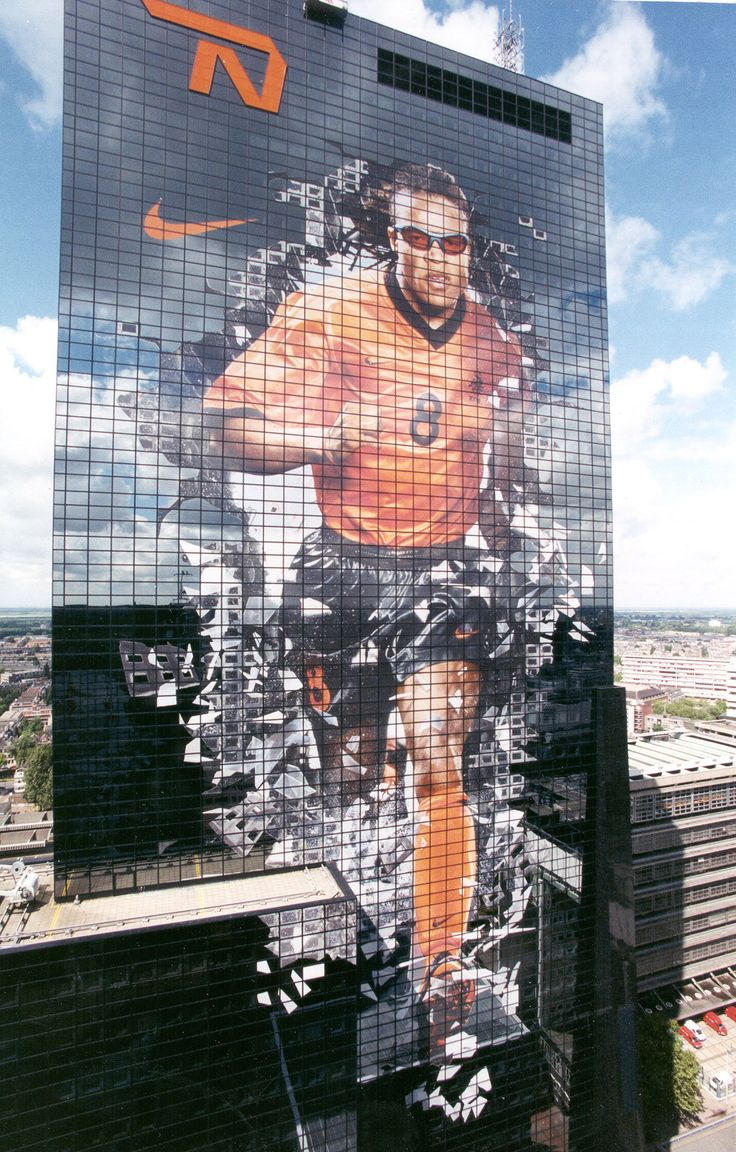 The biggest building graphic in the World at over 10,000 square meters. Each side of Edgar Davids was the size of the Statue of Liberty. Printed and applied by VGL in Rotterdam
