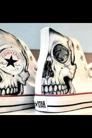 Skull Chuck Taylor Converse. I really really want these!!!!!