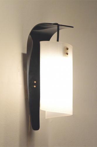 Vintage Italian Curvy Black & White Plexiglass Wall Sconces, Set of 2 for sale at Pamono