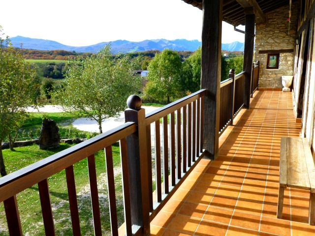 Casa Rural Apezetxea-balcon grande-vistas a san miguel de aralar-arruitz-larraun-navarra
