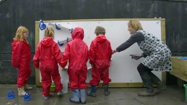 See the Schoolscapes Water Play Wall in action at St. Hilary's Primary School, #EYFS #discovery #scientificdevelopment #socialdevelopment #water #waterplaywall #messyplay