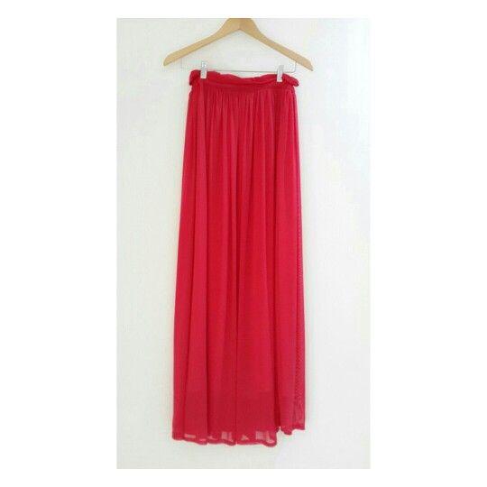 Styled differently with Flutter skirt #identity #gorgeous #skirt #hijab #hijabfashion #fashion #dailylooks #bebold #premiumquality