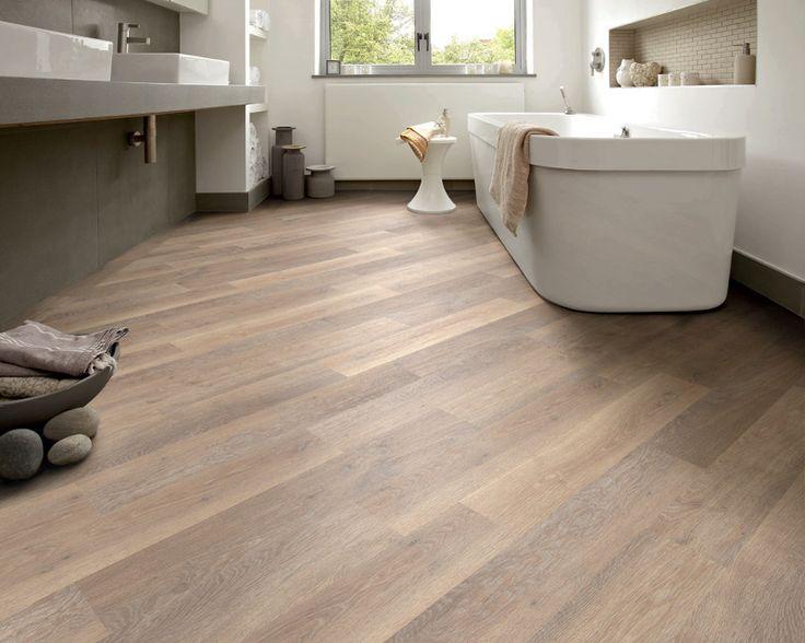Houtlookvloer in de badkamer oogt warm en Lux, geen tegelwerk, goed schoon te houden. pvc-vloer-delangestreek_308_248.jpg