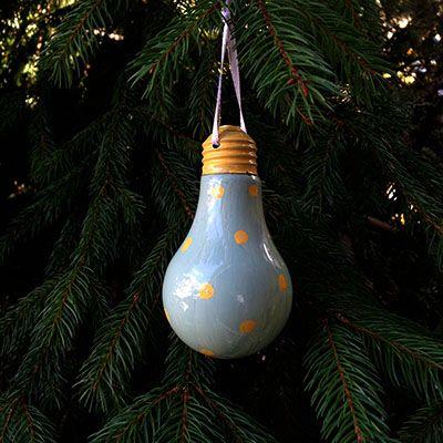 diy boules de no l comment recycler de vieilles ampoules d cormag christmas pinterest. Black Bedroom Furniture Sets. Home Design Ideas