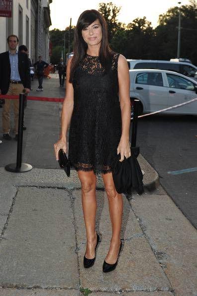 Ilaria D'Amico | Un tubino in pizzo abbinato a delle pumps dal tacco medio e accessori ricercati saranno perfetti per uno stile sensuale... | #outfitmania #outfit #style #fashion #dresscode #amazing #shoes #blackdress #Dior #Minkoff #musthave #gorgeous #abito #ispiration #pochette | CLICCA SULLA FOTO PER SCOPRIRE L'OUTFIT E COME ACQUISTARLO