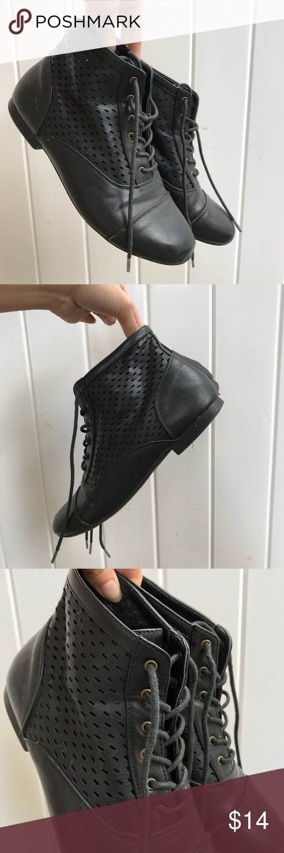 Black Leather Ankle Boots Fairly good condition! The exterior is still in very good shape. The sides of the interior are a lil more used up, but the overall shoe is still intact! Tends to fit a lil tighter than your average shoe size! PacSun Shoes Ankle Boots & Booties