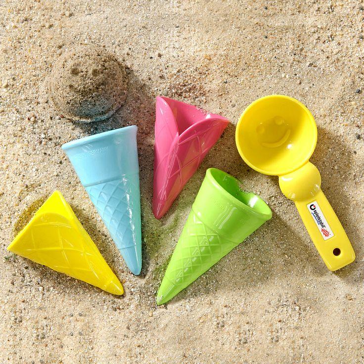 Kornútky a naberačka na zmrzlinu, pastelové farby