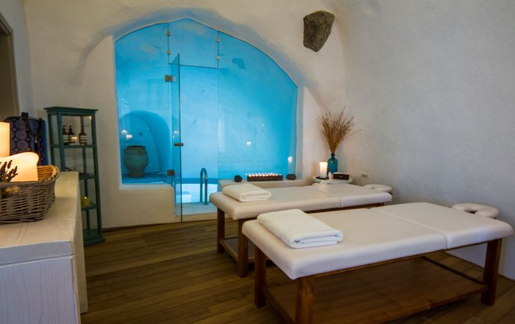 What could be better than a soothing couples massage followed by a relaxing soak in a heated and jetted grotto pool?