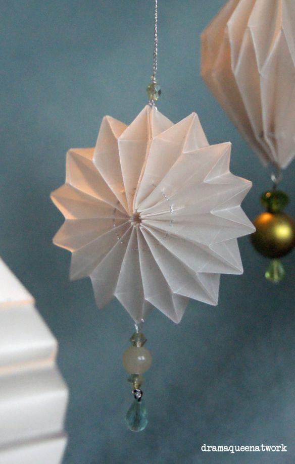 Christmas Tree Origami Money