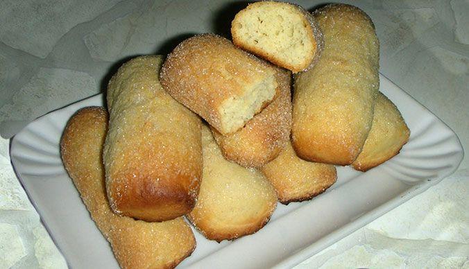 In Salento le massaie realizzano da decenni dei famosissimi biscotti per il latte, non troppo dolci e perfetti da inzuppare: le pastarelle. Ricetta per voi.
