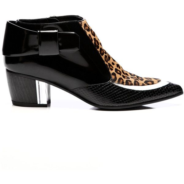 Rodarte Black And White Leopard Calf Hair Bootie (43,200 DOP) ❤ liked on Polyvore featuring shoes, boots, ankle booties, zip ankle boots, short boots, zipper ankle boots, leopard boots и leopard print ankle boots