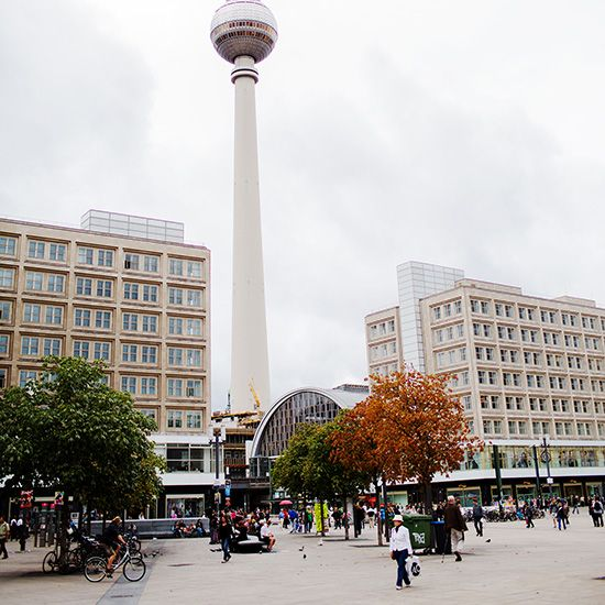 ღღ The historic TV Tower at Alexanderplatz offers an incredible 360° view of the city. tv-turm.de