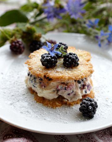 dessert med brombær