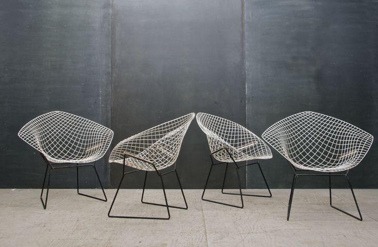 """Diamond Chair, Harry Bertoia, 1952, fils d'acier soudés """"Etude sur l'espace, la forme, le métal, le principau matériau étant l'air"""" - Bertoia"""