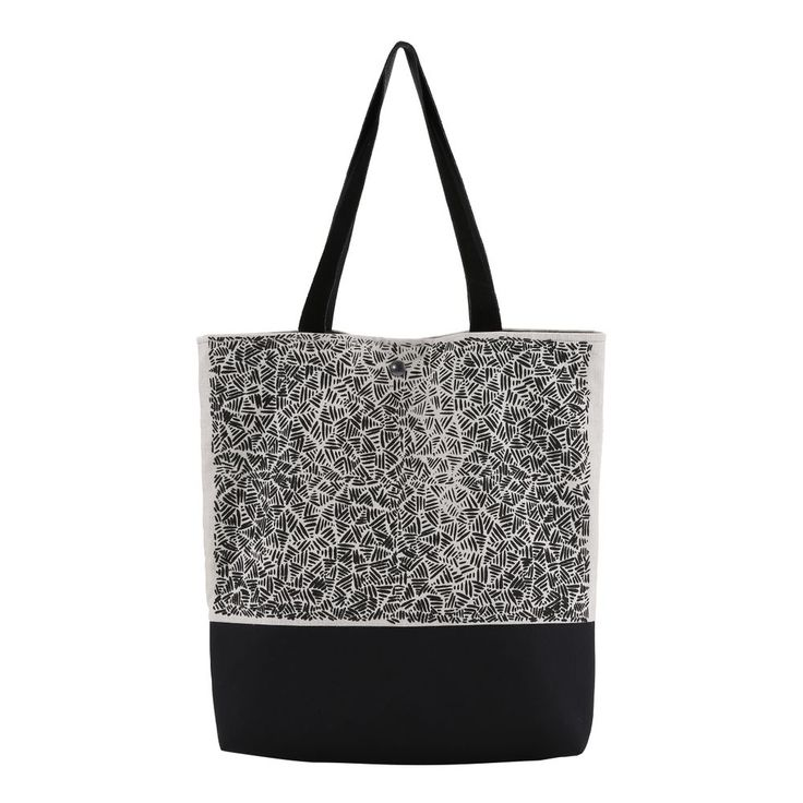 Handprinted totebag via Malene Zapffe. Click on the image to see more!