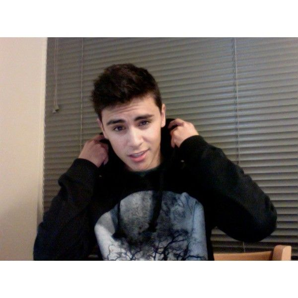 Richy ❤ liked on Polyvore featuring boys, pictures, cute boys, guys and people