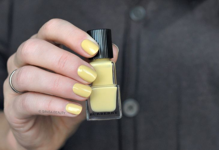 Burberry - Pale Yellow 415