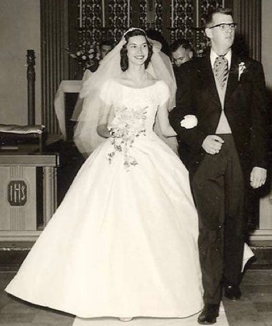 1957 massachusetts wedding -- gown by house of bianchi -- photo by chris connors
