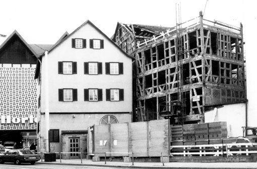 am ende der eberhardstra e steht noch heute das hegelhaus aus dem kaufhaus horten ist aber. Black Bedroom Furniture Sets. Home Design Ideas