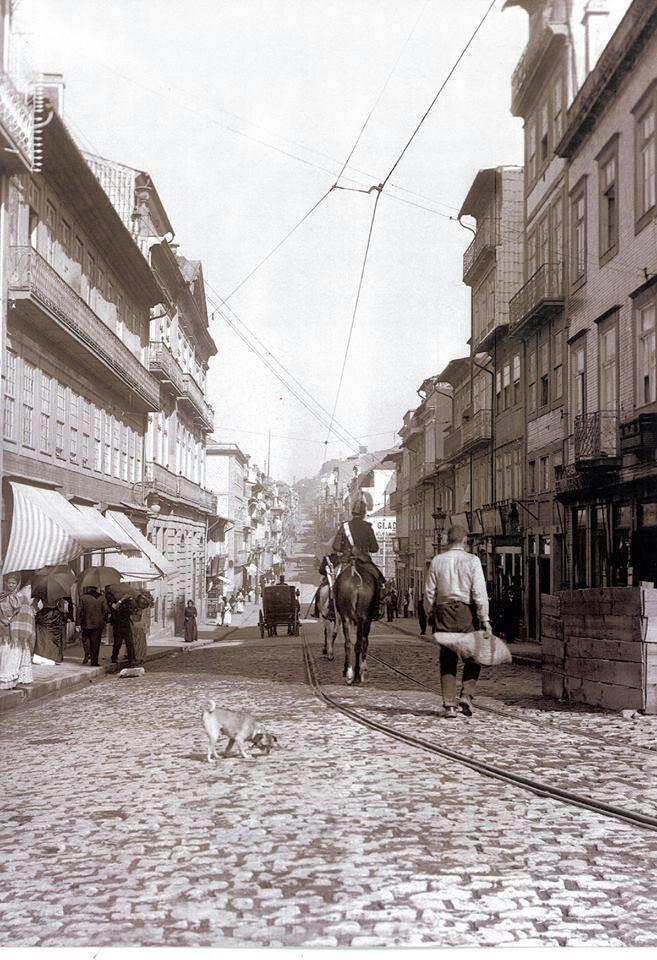 Rua de Santa Catarina www.webook.pt #webookporto #porto #vintage