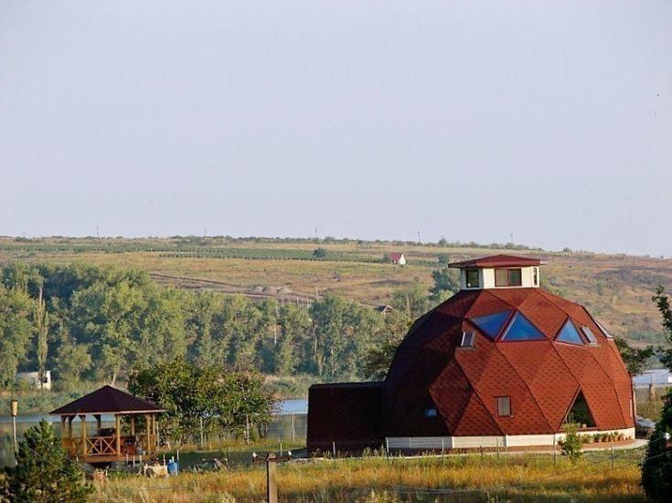 Casas geodésicas construidas con poco dinero