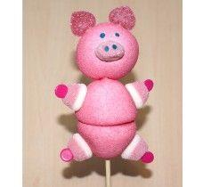 Le Cochon Porte Bonheur ! Plein de guimauve,de cœur de pêche et de bonbons bisous. Une création originale non ?