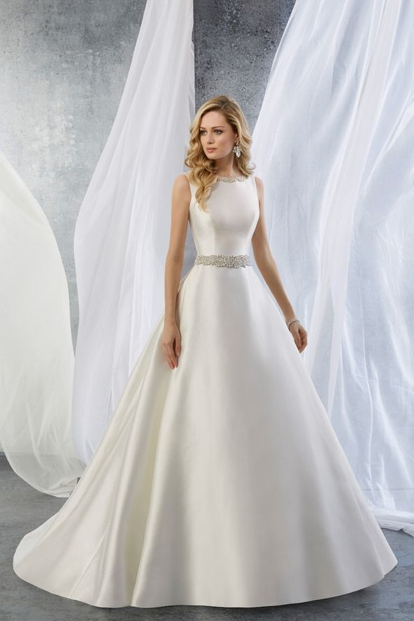 Stunning A Line Satin Gown With Straps And A Boat Neckline With Subtle Beaded Details In The Waist Neck Abiti Da Sposa Sposa Abito Con Cintura
