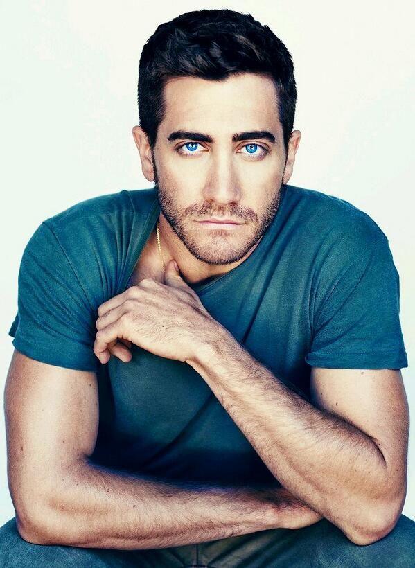 Jake Gyllenhaal. Those eyes tho <3