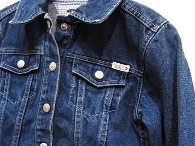 トミーヒルフィガーのジーンズジャケット
