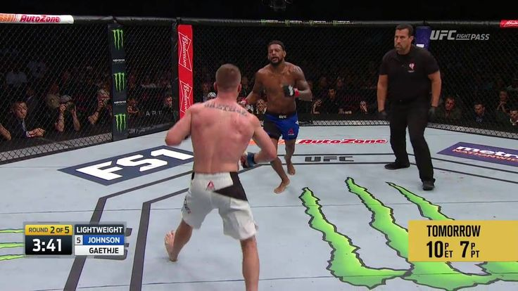 """OH MY GOODNESS Justin """"the Highlight"""" Gaethje & Michael """"The Menace"""" Johnson just had FIGHT OF THE YEAR!!! #TUFFINALE"""